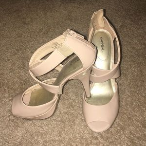 Nude X-Appeal strapped heels